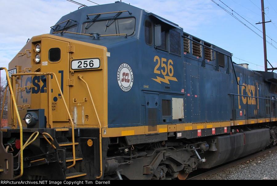 CSX 256 on Q404